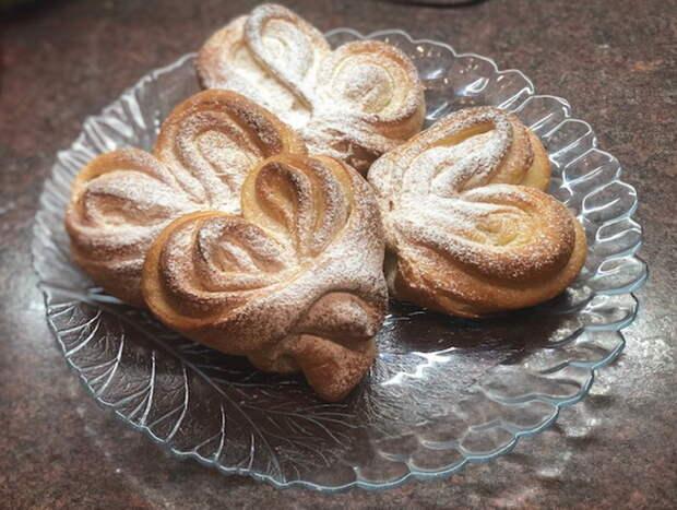Московская плюшка (вкусные сахарные булочки)