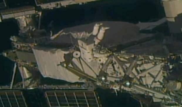 Астронавты на МКС вышли в открытый космос для установки новой солнечной панели