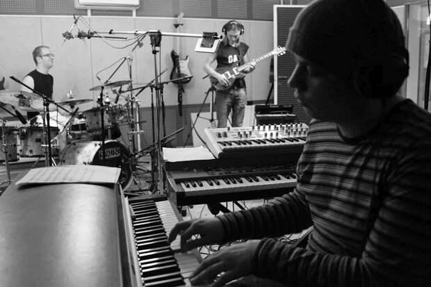 Альбомы русского джаза. Группа «Паромщик Люда»: «Быть, а не казаться»