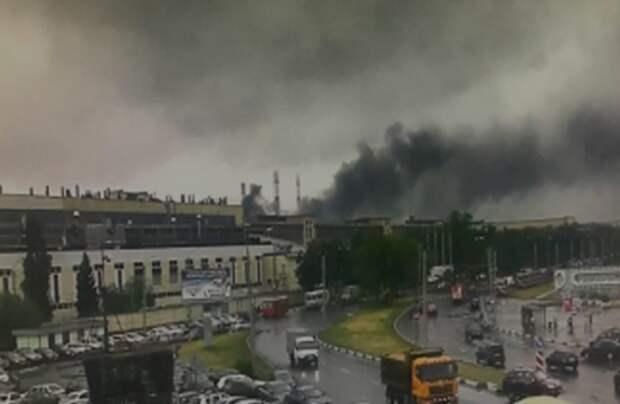 В Нижнем Новгороде эвакуировали больше 400 рабочих загоревшегося цеха завода ГАЗ