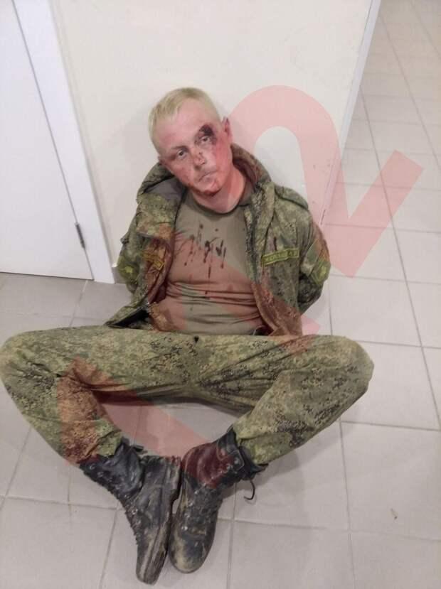 В Волгограде пьяные солдаты на БМП заехали на территорию аэропорта.