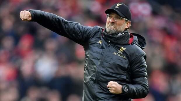 Клопп весело станцевал перед футболистами, празднуя чемпионство «Ливерпуля»: видео
