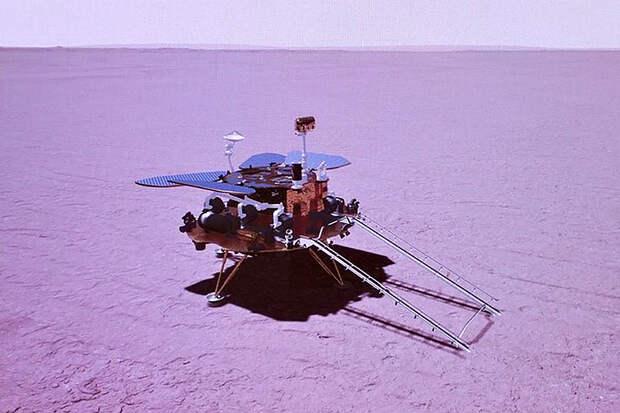 Китайский марсоход впервые проехал по поверхности Красной планеты