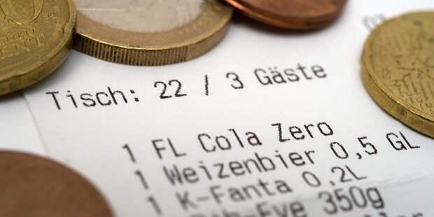 Сколько чаевых нужно оставлять официантам, таксистам и парикмахерам в Германии?
