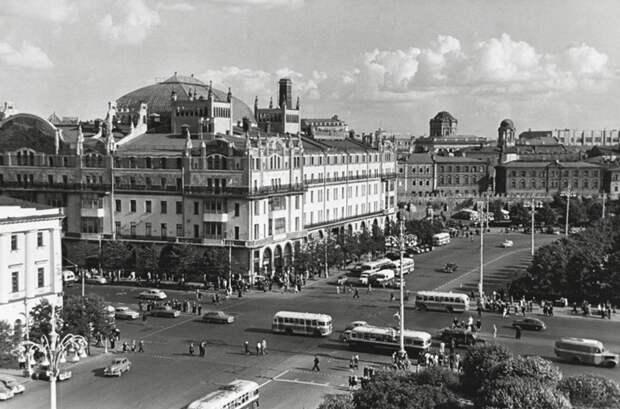 8 пикантных наблюдений, сделанных иностранными знаменитостями в советской Москве