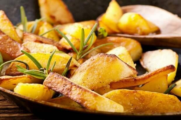 Жареная картошечка. \ Фото: ek-usadba.ru.