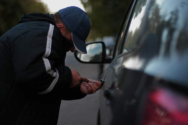 Симферополец украл машину своего брата и продал ее