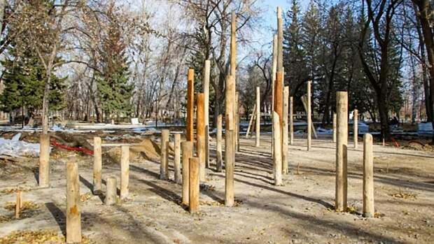 """Верёвки и батуты. В парке """"Изумрудный"""" появится детская площадка в экостиле"""