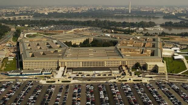 """Бывший сотрудник Пентагона указал на """"беззубость"""" НАТО перед Россией"""