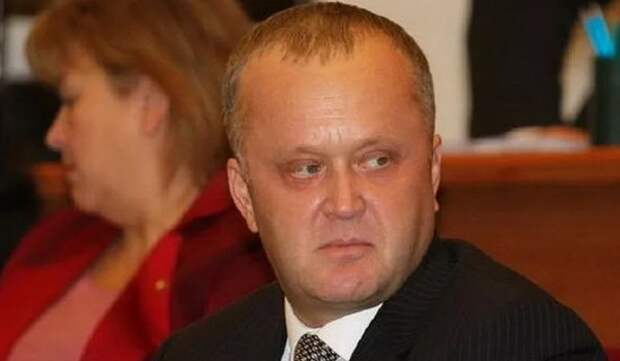 Forbes назвал 20 богатейших супругов российских госслужащих