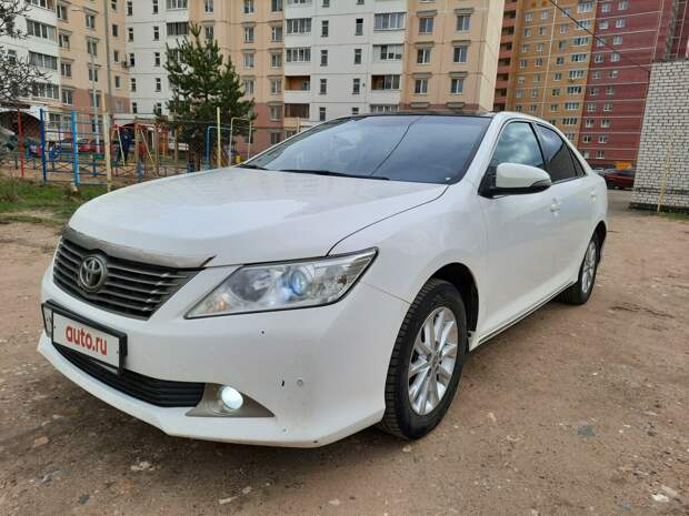 Сибирячка развела подругу на 1 млн рублей, продав ей две чужие «Тойоты-Камри». Изучаем схему такого «заработка»