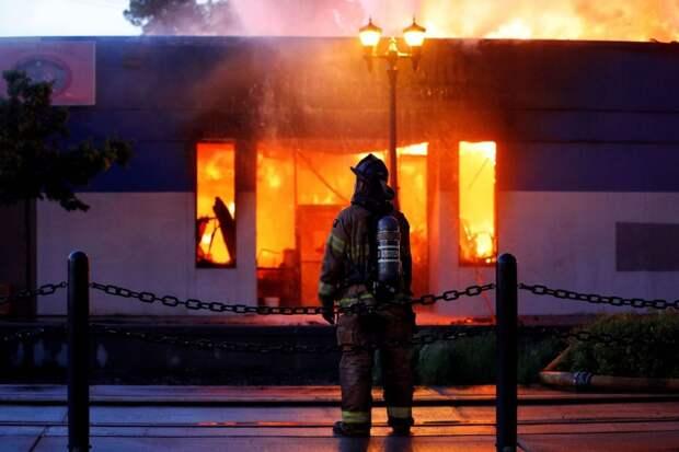 Показательное сожжение ресторана, чёрные привилегии и Ксения Собчак против лутеров