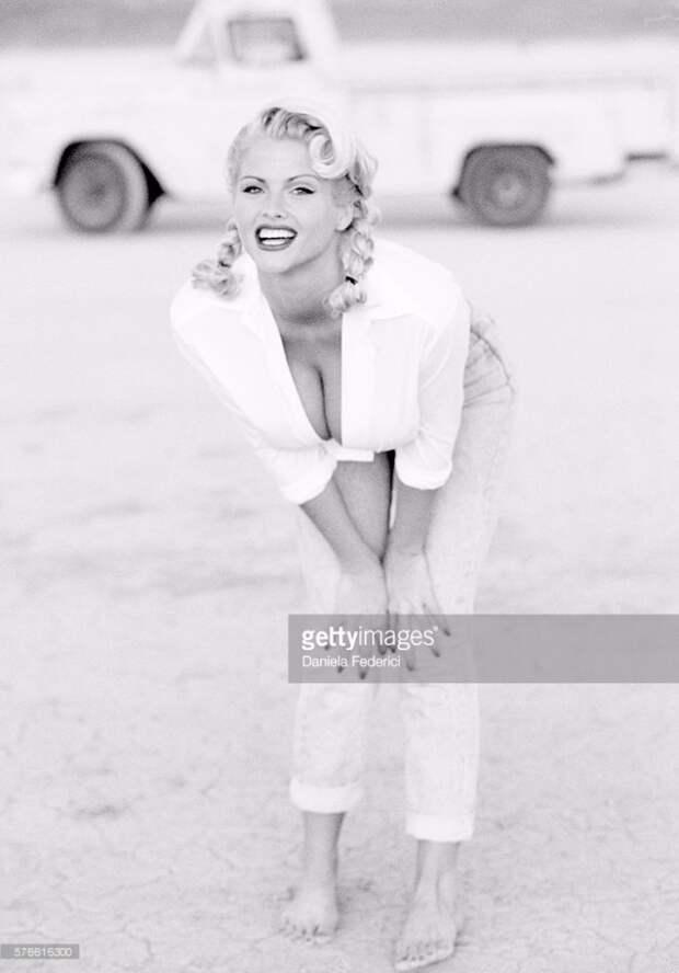 Секс-бомба 90-ых Анна Николь Смит в молодые годы.