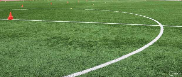 У школы на улице Кулакова благоустроили спортивные площадки