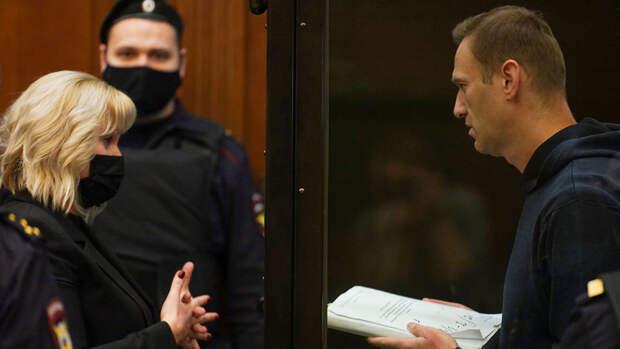 Суд признал законным отказ в возбуждении дела из-за госпитализации Навального