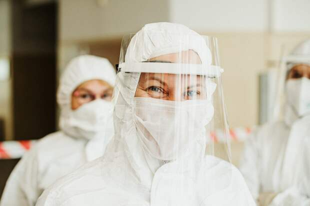 Пролеченные COVID-больные остаются заразными, заявили в ВОЗ и уточнили, какое время они опасны
