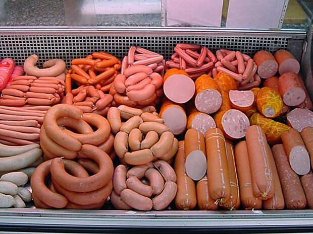 Производители предупредили о повышении в России цены на колбасы и сосиски до 20%