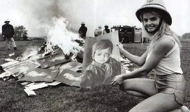 Сожжение репродукций картин Джованни Браголина в пригороде Лондона.