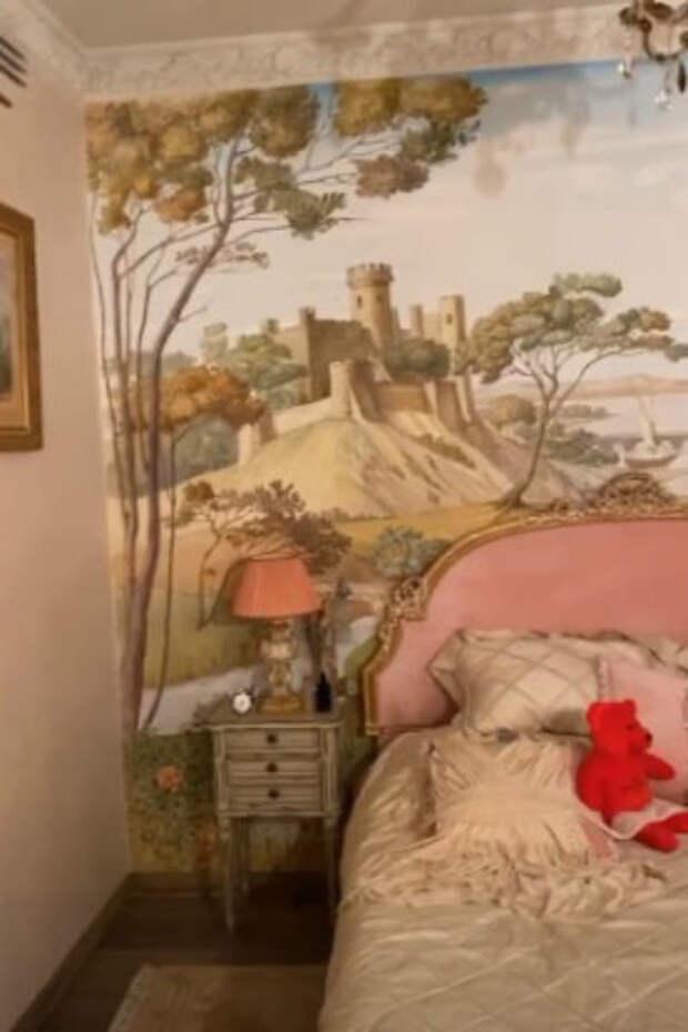 Ничего святого: Дмитрий Шепелев продает долю сына Платона в легендарной квартире Жанны Фриске