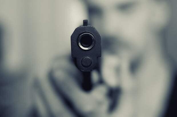 Неизвестные в масках и с пистолетом ограбили магазин в Ижевске