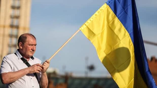 В Новосибирске жители пикетом отметили День независимости Украины