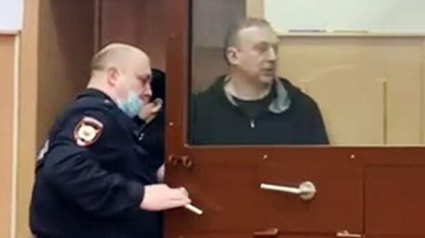 «Судят за дела, которые были 8 лет назад». Дочь члена исполкома ОКР Власенко прокомментировала арест отца