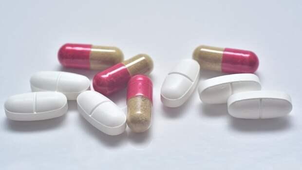 Депутат Петров указал на важность баланса в производстве лекарственных препаратов