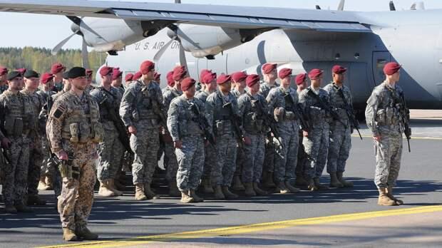 Daily Express: военнослужащие НАТО напились на вечеринке в Литве и устроили драку