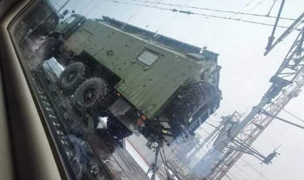 Котенок: под Ростовом у границы с Украиной замечены эшелоны с военной техникой