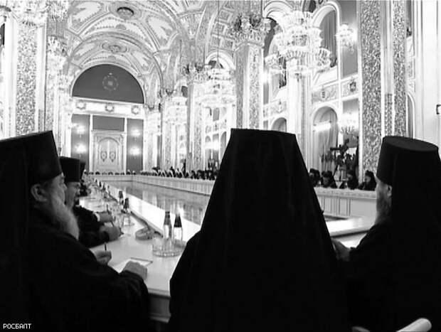 В РПЦ решили не наказывать «священника-битбоксера»
