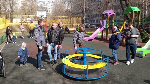 На Пестеля благоустроят детские площадки