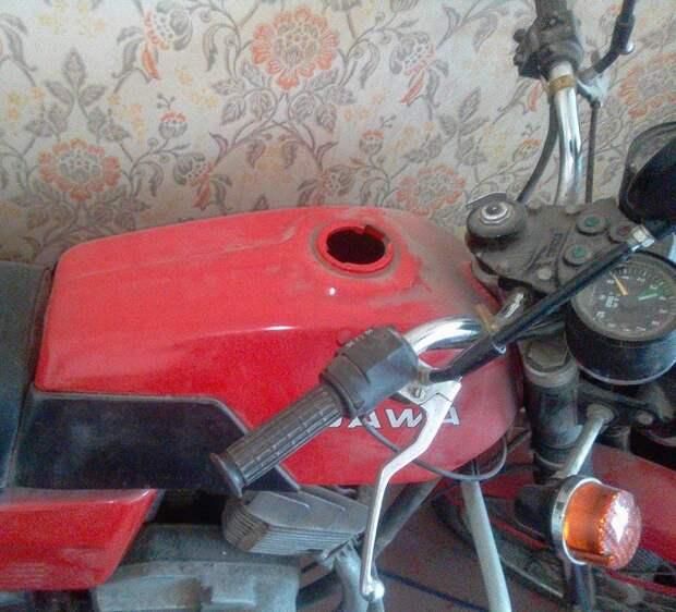 Новая Jawa 30 лет пылилась в квартире