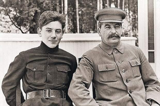 За что арестовали сына Сталина после смерти отца
