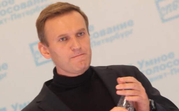 Навальный пожаловался на Трампа, не осудившего его «отравление»