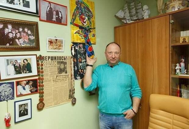 Юрий Гальцев - коллекционер галстуков.