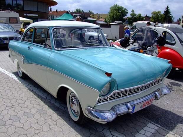 Ford_Taunus_17M_deLuxe_1