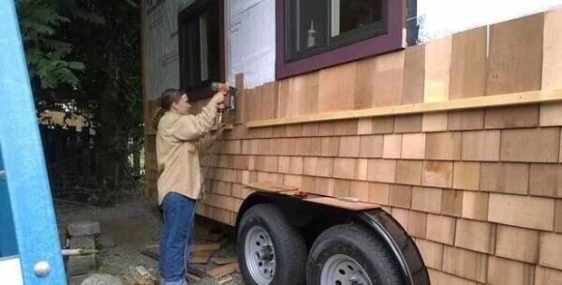 Женщина построила потрясающий дом на колесах