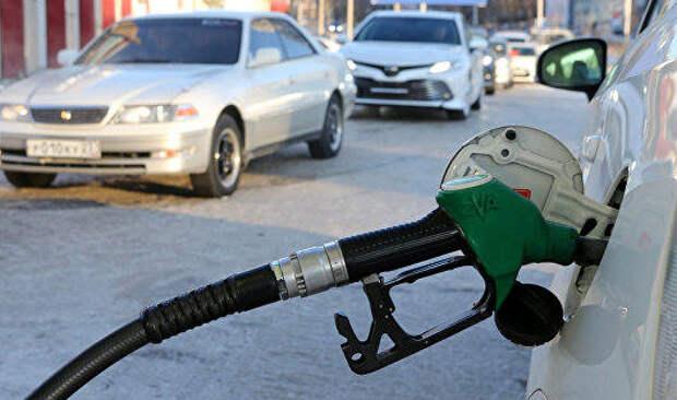 СМИ рассказало, что делать при заправке машины плохим топливом