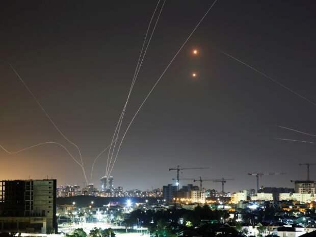 Изсектора Газа продолжаются массированные ракетные обстрелы Израиля