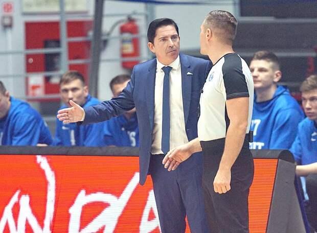 После третьего поражения подряд петербургский «Зенит» впервые опустился на грань непопадания в плей-офф