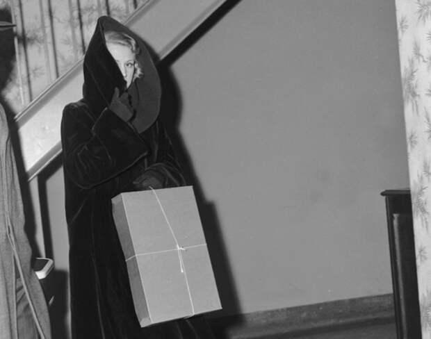 Крестная мать: 25 редких фото женщин гангстерского мира