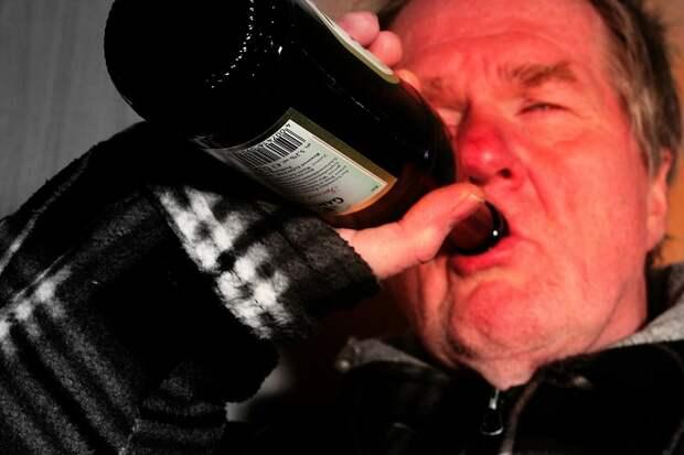 Власть делает алкоголиков из севастопольцев