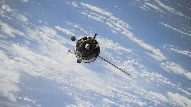 Эксперты призывают срочно очистить орбиту от опасного космического мусора