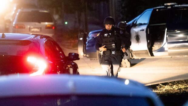 Грабитель захватил заложников в банке в Миннесоте