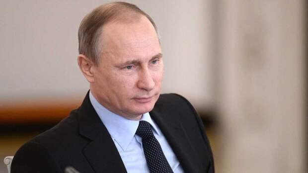 СМИ: Путин не переживает из-за скандальных заявлений Байдена в его адрес