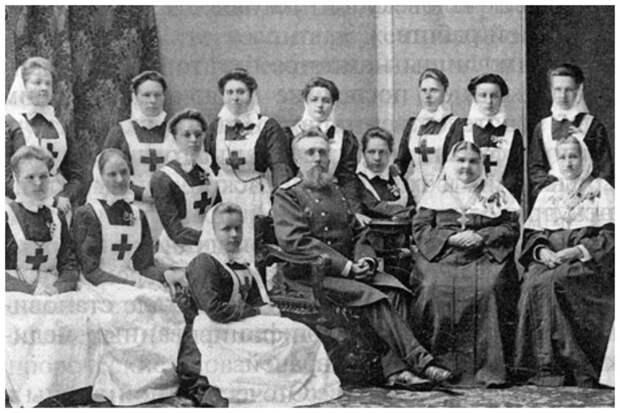 В 1804 году в Московском попечительском совете было принято решение открыть приют для вдов солдат, павших на полях сражений, в котором женщины осуществляли присмотр за больными интересное, история, медсестры, подвиг, факты