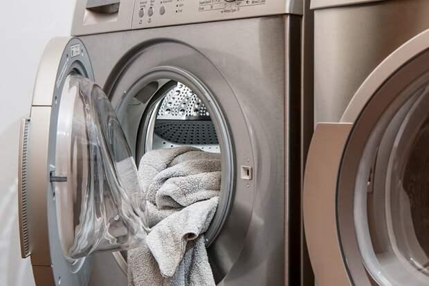 Женщина нашла способ спасти постиранную с бумагой одежду