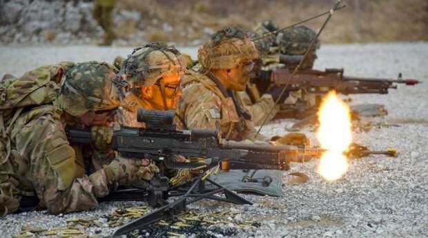 Отрабатывает нападение на Россию: эксперт рассекретил планы НАТО в Эстонии