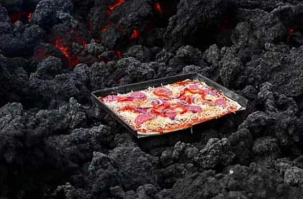 Пицца на раскаленной лаве: туристы говорят, что хрустит восхитительно