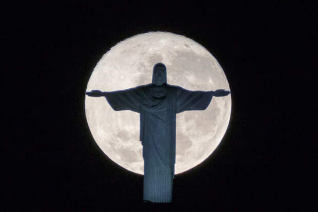 Кровавая Луна над Манхеттеном